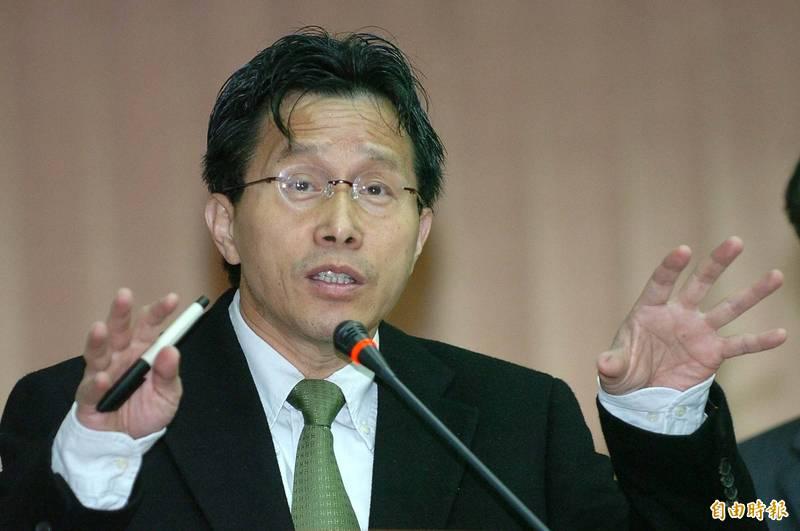 駐德代表謝志偉表示,只要國民黨敢像嗆台獨那般,在中國國家主席習近平前嗆「萬惡的共匪」,他不僅願意同行,且「巨幅國旗我來揹 」。(資料照)