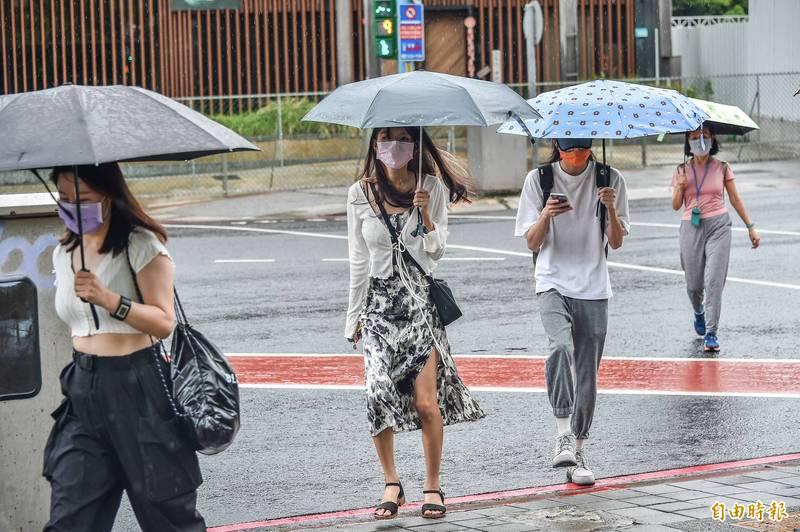 氣象專家賈新興也提醒,北部及東北部須留意週六至下週日期間溫度的降幅,此外,未來10天東北部的降雨時間長。(資料照)