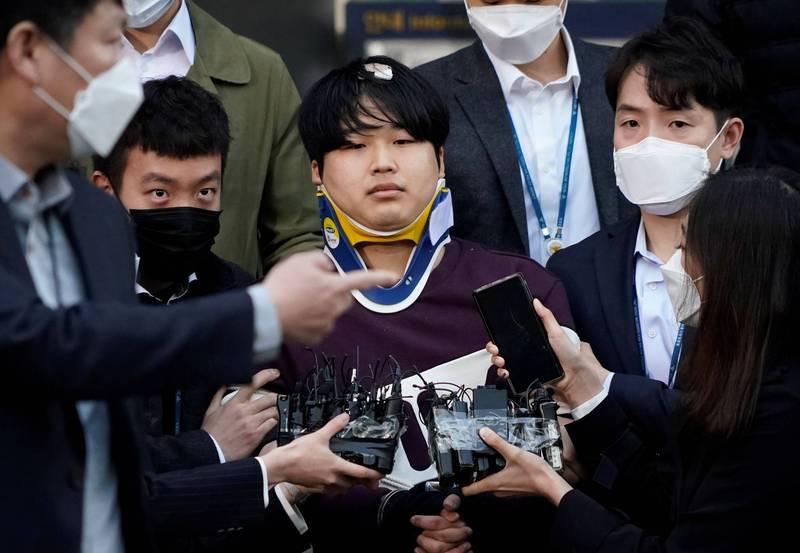 南韓「N號房」網路性犯罪案震驚社會,今大法院宣布判決結果,維持二審判決,25歲主犯趙主彬(Cho Ju-bin,音譯)判處有期徒刑42年,並須配戴電子腳鐐30年。(路透)