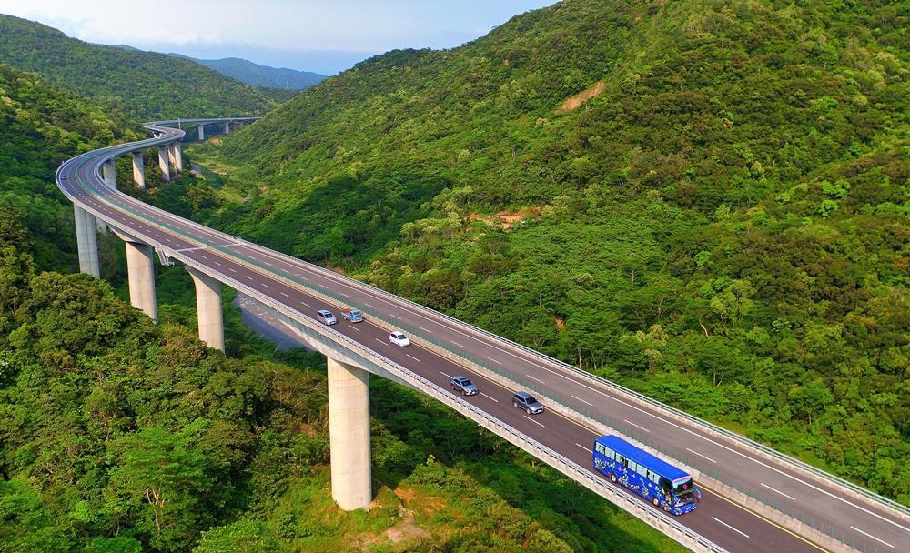 交通界奧斯卡!全台最美金路獎「安朔高架橋」藏橋於林生態工法奪冠