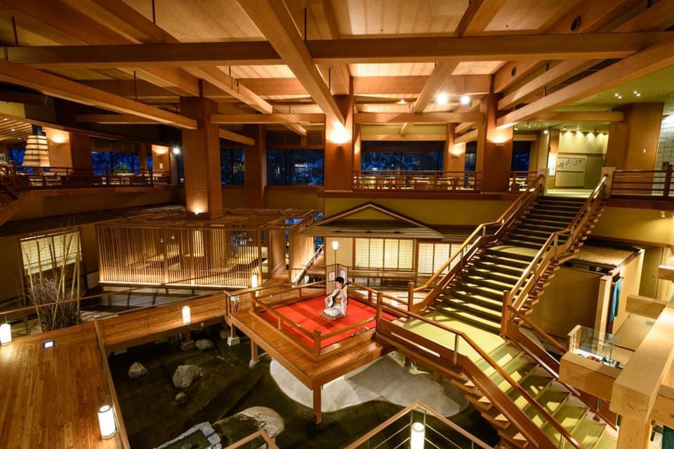 《鬼滅之刃》無限城真實場景?溫泉飯店打造階梯式設計+隱藏角色再掀話題