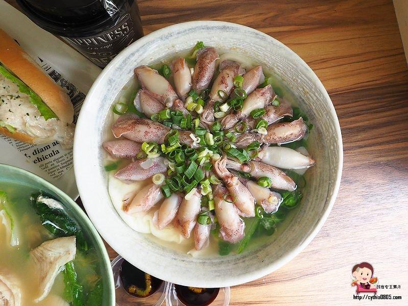 全台最狂早餐鋪滿20隻小卷!「爆量海鮮鍋燒麵」藏在桃園青埔美食戰區