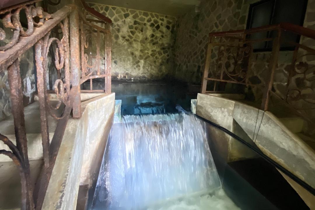 台北秘境曝光!亞洲唯一藍色湧泉 每日限量2批次開放