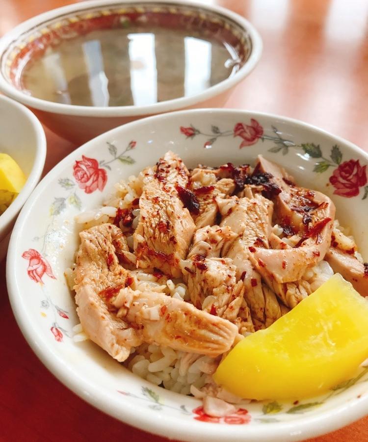 嘉義雞肉飯哪家最好吃?在地人私推10間老店,進化版「雞片飯」必點!