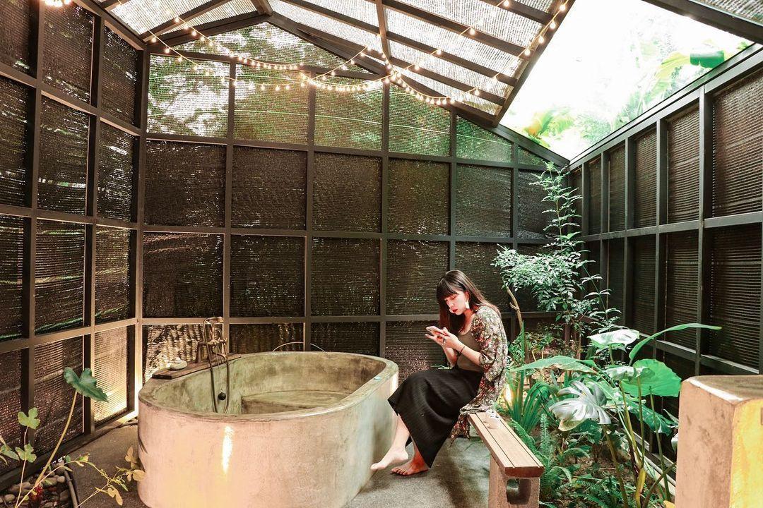 不公開地址的神秘老屋民宿!宜蘭礁溪「小雨林」森林露天浴池泡溫泉