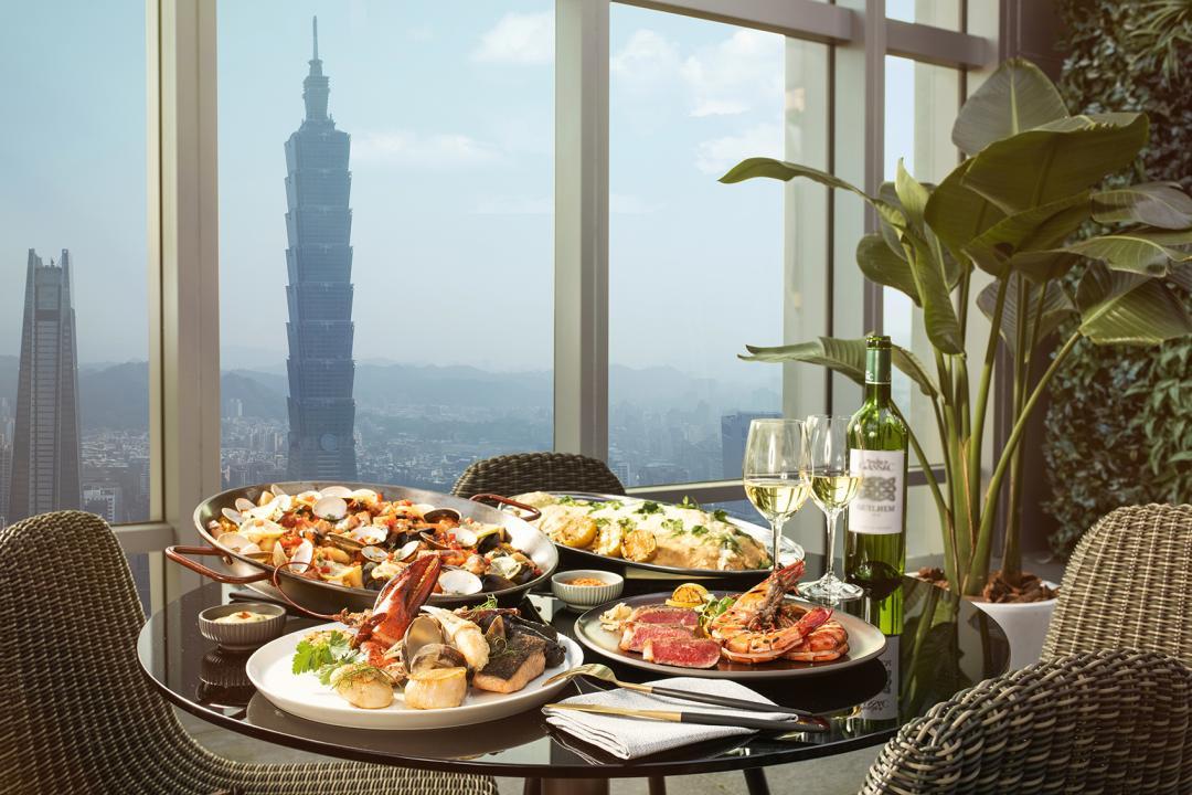 台北高空海鮮餐廳「SEA TO SKY」新開幕!現流海鮮吧、巨大藍絲絨蛋糕必吃