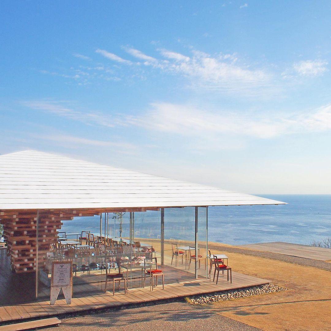 1500根木頭堆疊!建築大師隈研吾打造「玻璃咖啡屋」每個角度都是VIP海景