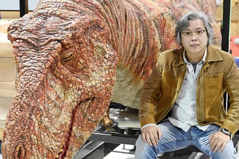 挖到寶啦!世界最完整三角龍頭骨在台灣  「化石清修師」巧手還原