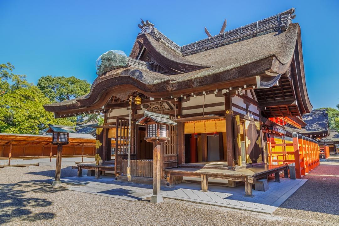 戀愛神社竟辦奔放裸祭?最古老相撲神祇在這!「神」遊日本 2 大能量景點