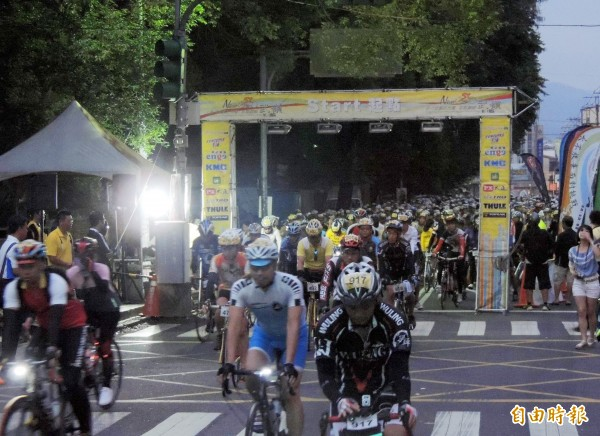 武嶺自行車賽 4139多名選手挑戰