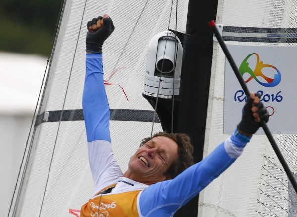 奧運》戰勝癌症只剩一半肺 阿根廷帆船選手54歲首金