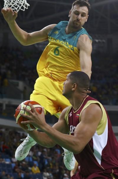 奧運》澳洲來勢洶洶 大勝立陶宛26分闖4強