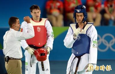 奧運》劉威廷爆冷扣倒第二種子庫克 挺進8強