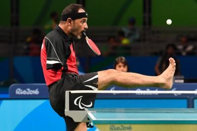 帕運》埃及無臂選手 以嘴持拍打桌球終如願參賽 (影音)