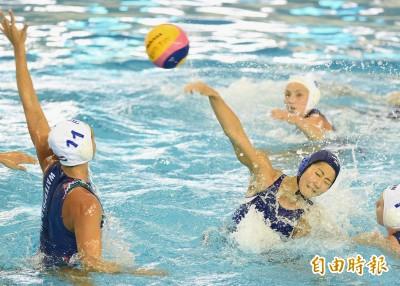 世大運》匈牙利水球預賽大勝日本 正妹隊長:目標4強