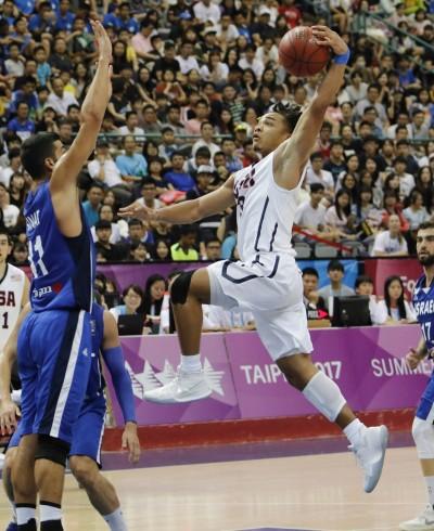 世大運》痛宰塞爾維亞 美國男籃衛冕差一步