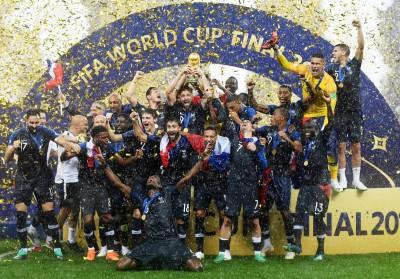 世足賽》笑稱「非洲」奪冠 美國主持人被法國球迷撻伐