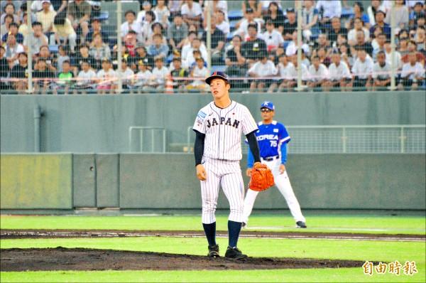 日韓強投「尬速」 吉田首登板挨轟