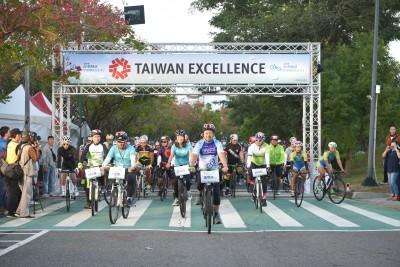 2000位車友「騎」聚台中 台灣精品首辦自行車騎乘嘉年華