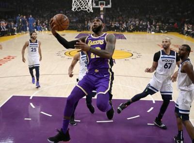 NBA》大帝尬玫瑰精彩飆分 湖人主場險勝灰狼
