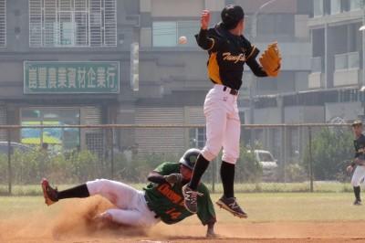 棒球》東石追平轟卻「誤」事 成德驚險勝出