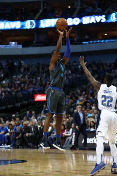 NBA》獨行俠擊潰魔術 十年來主場首度十連勝