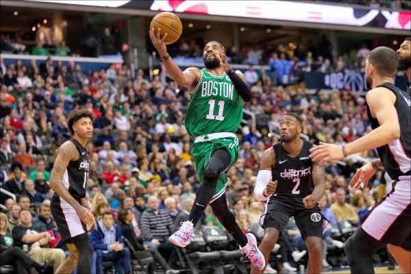 NBA》厄文延長賽大爆發 連進2記3分彈