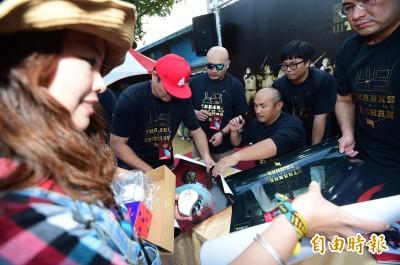 棒球》引退儀式球迷踴躍 張泰山感動:「大家還記得我」