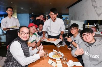 棒球》林子偉變身型男大主廚 料理美食與球迷同樂