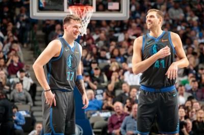 NBA》諾威斯基本季主場首戰 全場球迷起立致敬(影音)