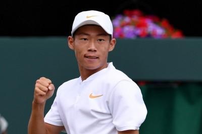 網球》「夜市小球王」曾俊欣旗開得勝 坎培拉男網挑戰賽晉32強