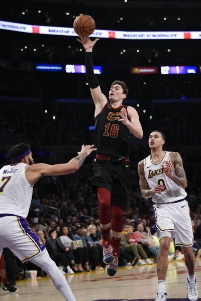 NBA》湖人再當「好人」 騎士終結12連敗