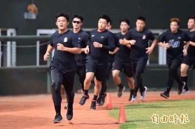 中職》新人江國謙目標提升球速 洪總看好練先發