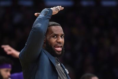 NBA》詹皇上網力挺湖人小老弟  NBA官方火速承認誤判