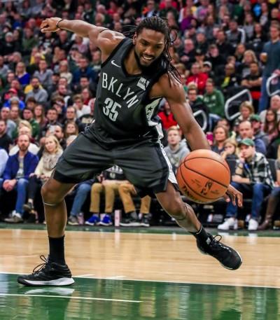 NBA》籃網買斷「半獸人」合約    沃神爆:下站去火箭