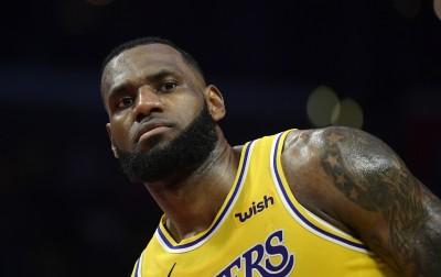 NBA》超級盃太無聊 「詹皇」呼喊知名體育記者求解悶