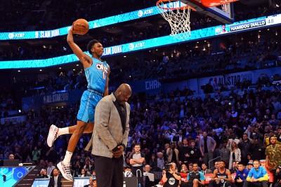 NBA》超人再現!新科灌籃大賽冠軍雷霆迪亞洛飛過「俠客」歐尼爾