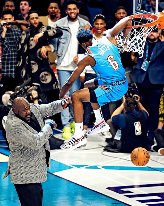 NBA明星賽》迪亞洛扮超人 飛越俠客猛灌封王