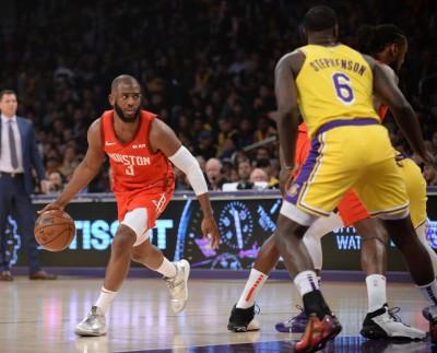 NBA》保羅骯髒手段再現   這次對詹皇使出「折手功」(影音)