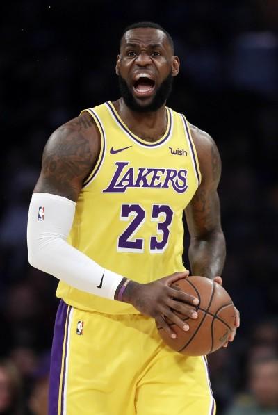 NBA》詹皇開啟季後賽模式 火箭「三巨頭」合體仍被逆轉