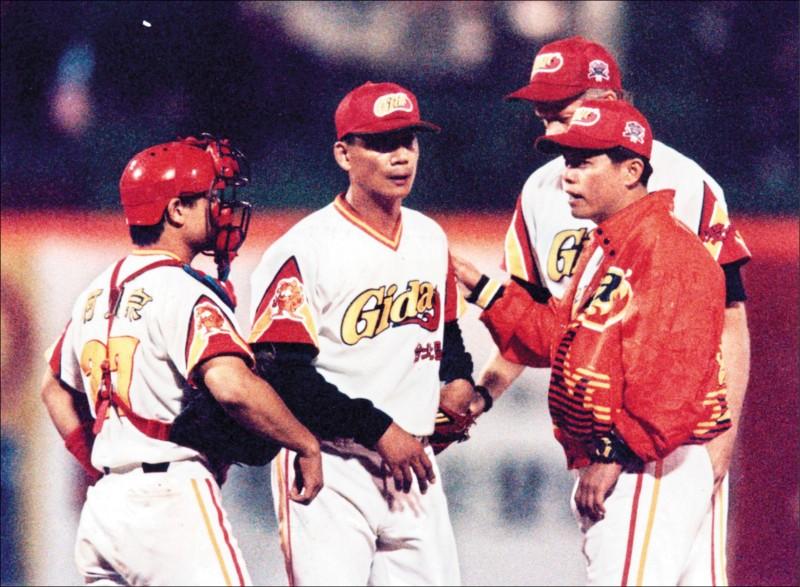 中職30系列9》職棒也曾有過…11隊的規模