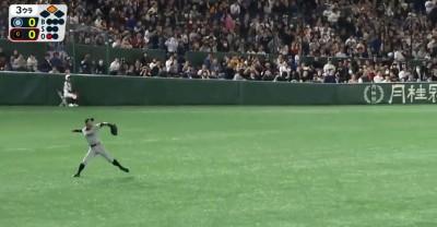 MLB海外賽》全場暴動! 一朗超級雷射肩嚇壞跑者(影音)