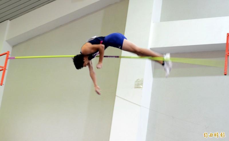 南投國際撐竿跳高賽 日、美好手分奪男女第一 美選手高人氣