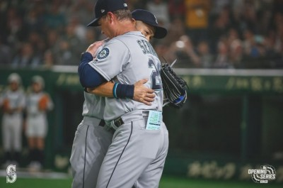 MLB》一朗第4局提前退場做最後告別... 小葛瑞菲解釋(影音)