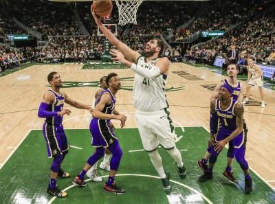 NBA》聯盟龍頭拉警報!公鹿大前鋒又傳傷情
