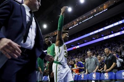 NBA》聰明哥「如來神掌」推倒大帝 惡意犯規遭聯盟罰款5萬美元