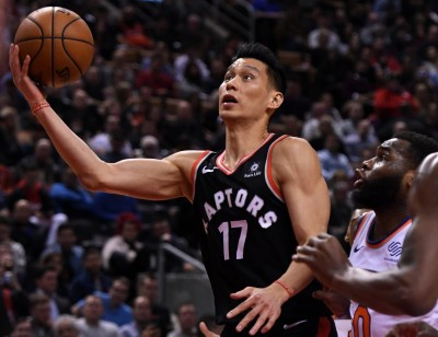 NBA》林書豪切入秀高難度上籃 球迷對此抱不平(影音)