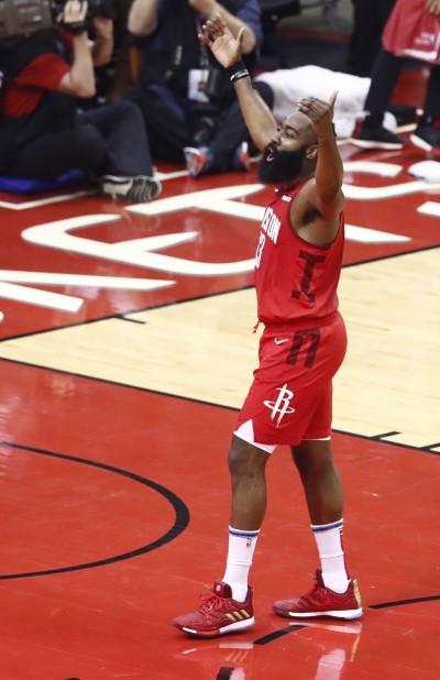 NBA》巴克利讚哈登 是「這年代」最好的進攻球員