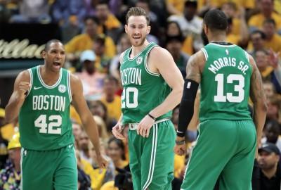 NBA》綠衫軍橫掃溜馬 晉級季後賽第二輪