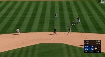 MLB》球在哪裡?他敲高飛必死球 太空人內野卻大亂(影音)
